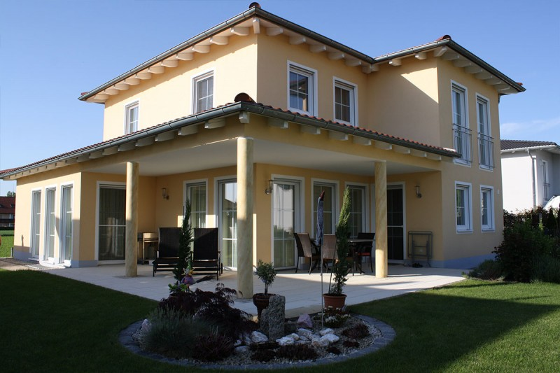 Bau eines Einfamilienhaus im Toskanastil
